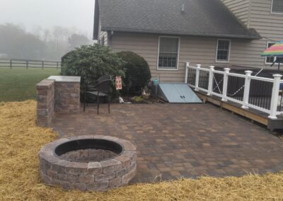 Hardscaped paver patio and firepit in taneytown md