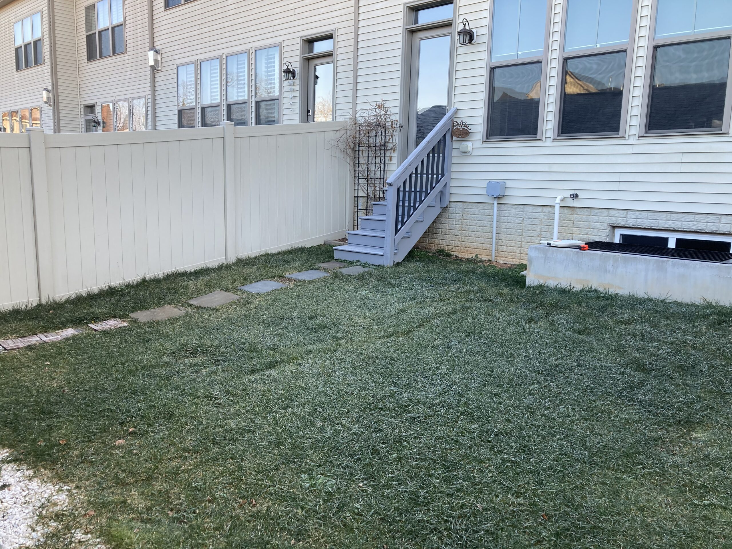 Row home in need of backyard landscaping